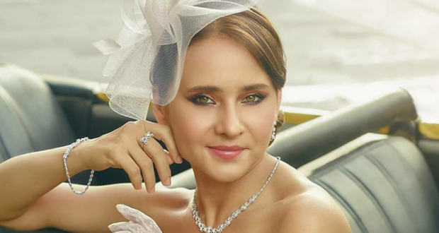 الصور الأولى من خطوبة نيللي كريم مع عريسها.. والزواج خلال أيام